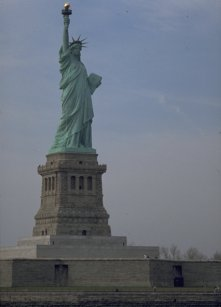 Statue of Liberty by Michel Guntern - TravelNotes.org